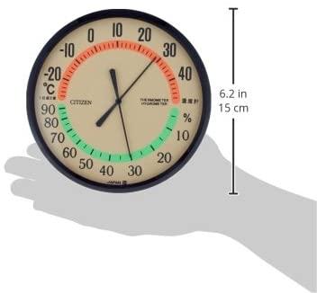 シチズンの温湿度計。温度をオレンジで湿度を緑で表示。針が見やすく視認性が抜群。